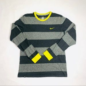 Nike Gray/Yellow Striped Embroidered L/S T-Shirt M